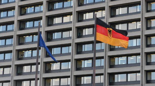 die-deutsche-bundesbank-nahm-am-1-august-1957-ihre-arbeit-als-zentralbank-fuer-die-bundesrepublik-deutschland-auf-